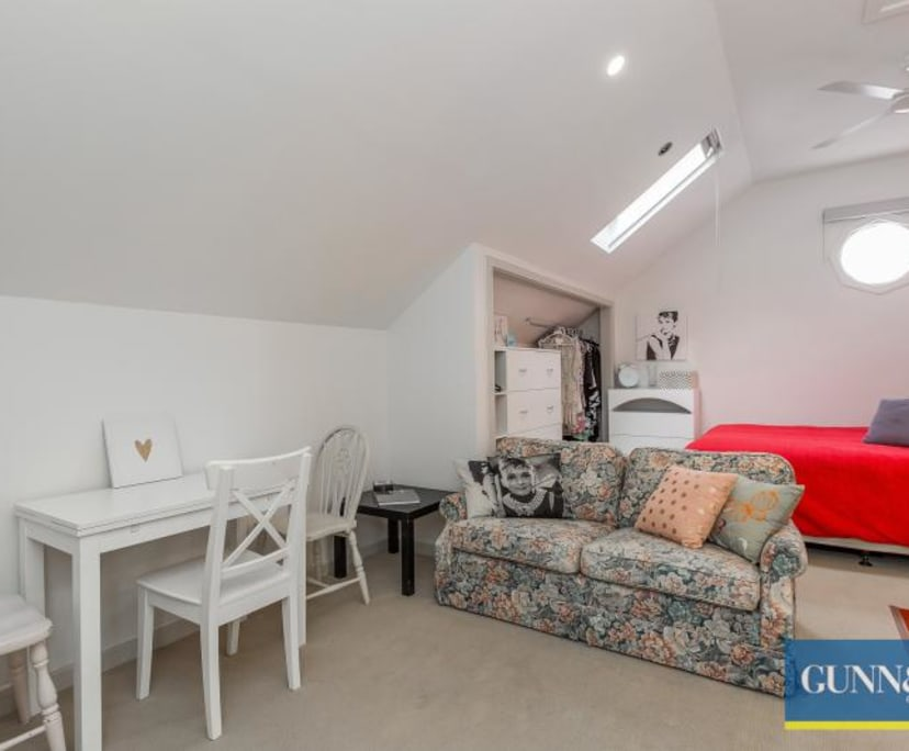 $300, Whole-property, 1 bathroom, Melbourne Road, Newport VIC 3015