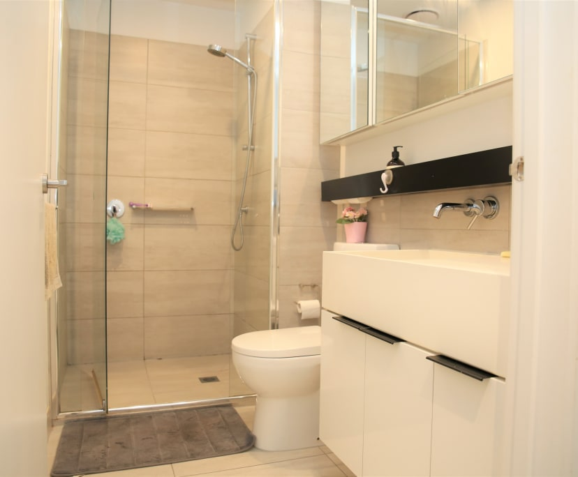 $560, Whole-property, 2 bathrooms, Pakington Street, Saint Kilda VIC 3182