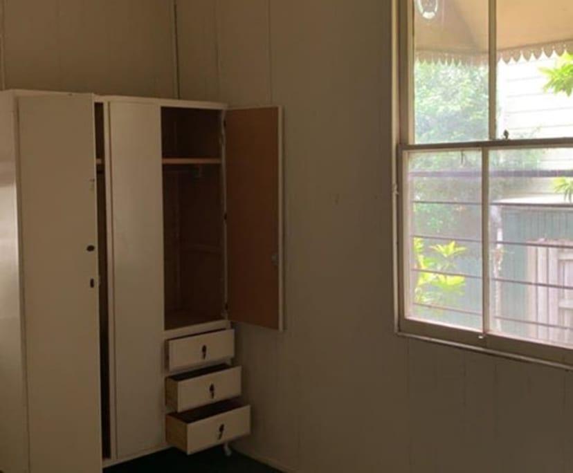 $130, Share-house, 3 bathrooms, East Brisbane QLD 4169