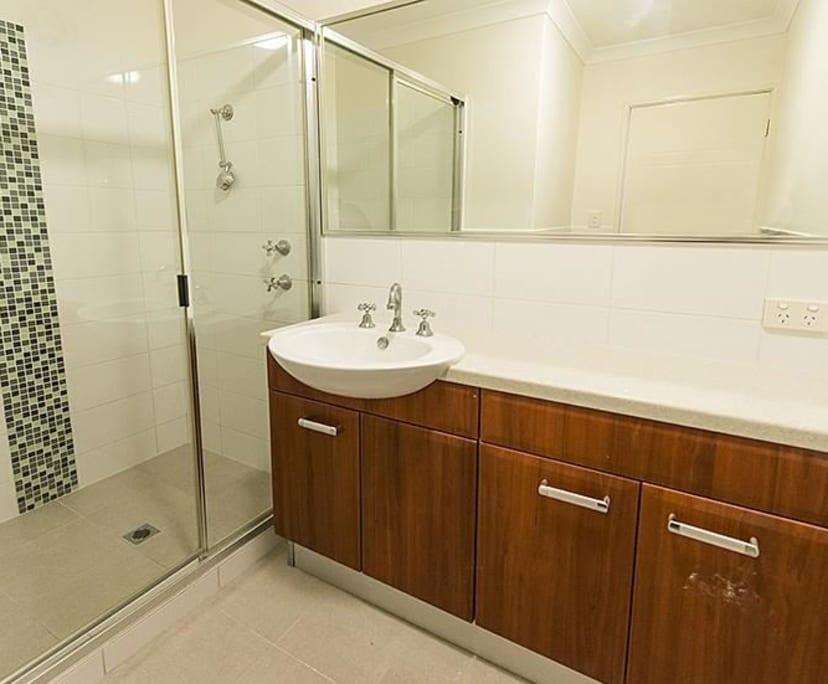 $180, Flatshare, 3 bathrooms, Lichfield Street, Victoria Park WA 6100