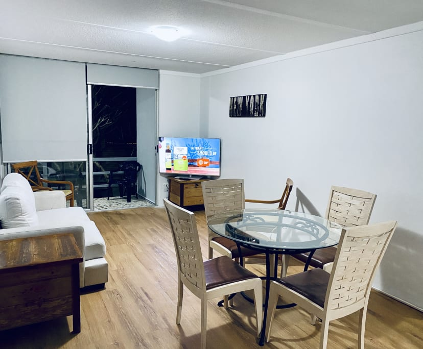 $240, Flatshare, 4 bathrooms, Leonard Avenue, Surfers Paradise QLD 4217