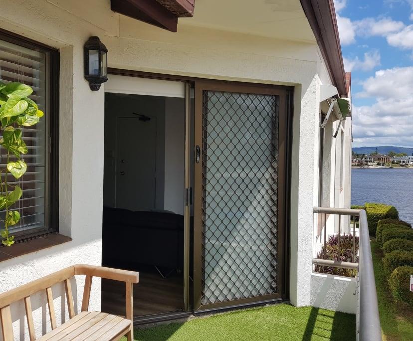 $200, Flatshare, 2 bathrooms, Duet Drive, Mermaid Waters QLD 4218