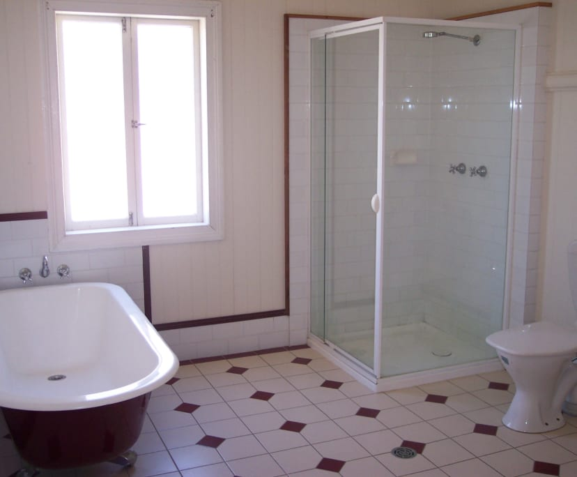 $175, Student-accommodation, 5 bathrooms, Qualtrough Street, Woolloongabba QLD 4102