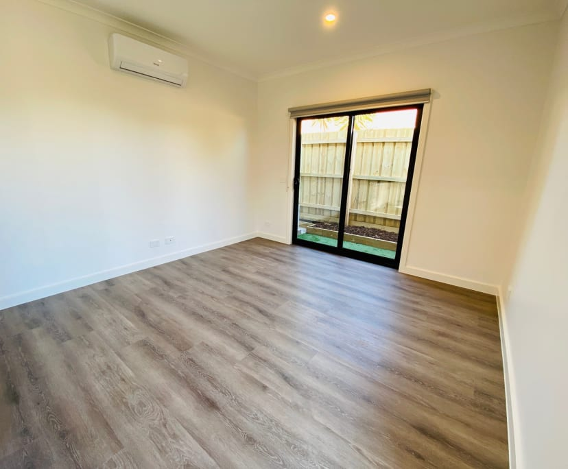 $280, Student-accommodation, 6 rooms, Japonica Street, Bundoora VIC 3083, Japonica Street, Bundoora VIC 3083
