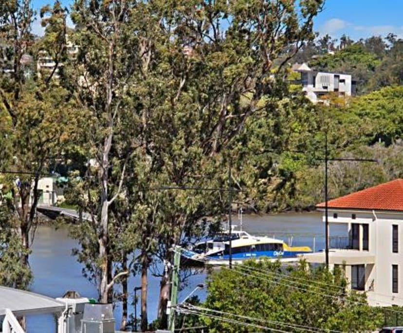$545, Whole-property, 2 bathrooms, Land Street, Auchenflower QLD 4066