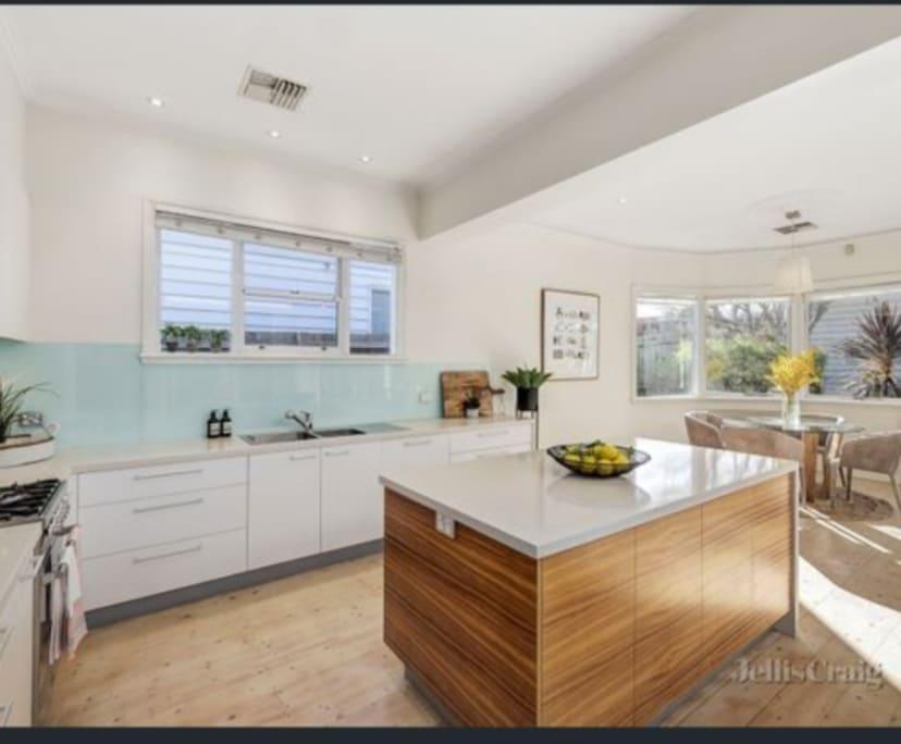 $250, Share-house, 3 bathrooms, Hawthorn VIC 3122