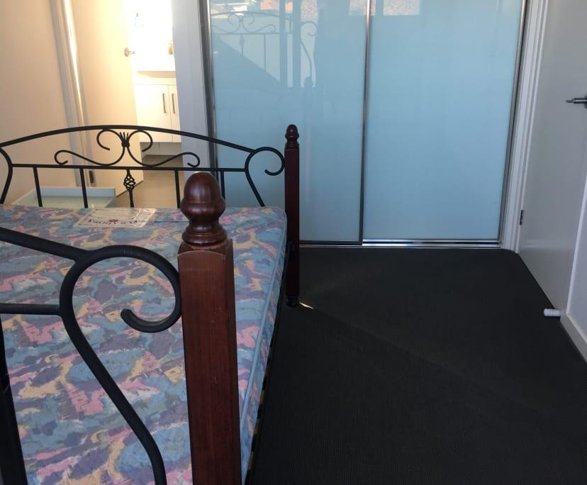 $220, Flatshare, 2 bathrooms, Murray Road, Preston VIC 3072
