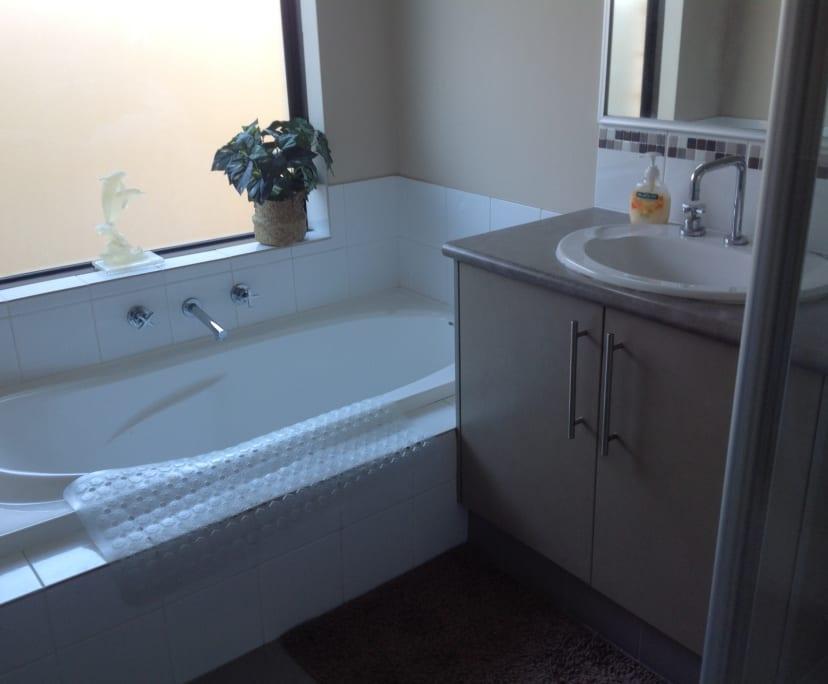 $200, Homestay, 4 bathrooms, Ninghan Lookout, Beeliar WA 6164