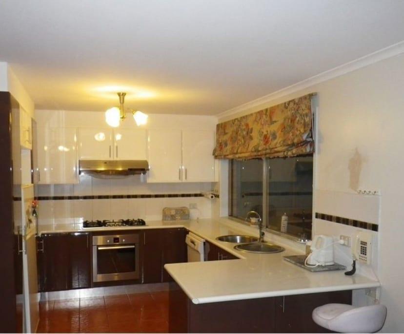 $155-165, Share-house, 2 rooms, Meldrum Court, Narre Warren South VIC 3805, Meldrum Court, Narre Warren South VIC 3805