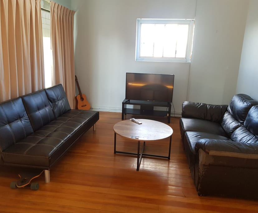$120, Flatshare, 2 rooms, Shafston Avenue, Kangaroo Point QLD 4169, Shafston Avenue, Kangaroo Point QLD 4169