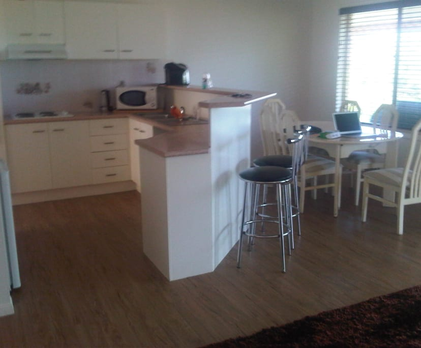 $200, Share-house, 6 bathrooms, Saint Andrews Way, Banora Point NSW 2486