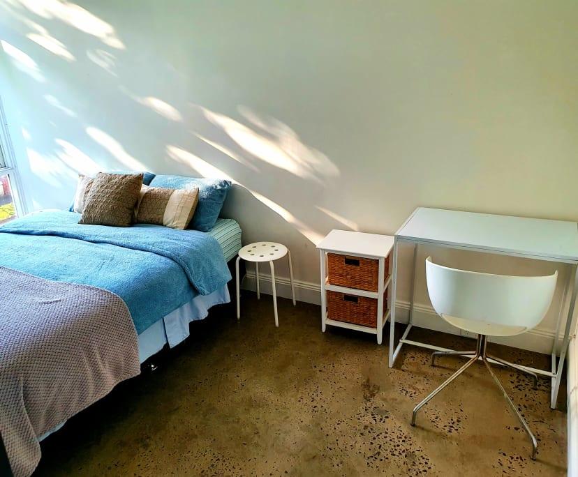 $390, Whole-property, 2 bathrooms, St Kilda VIC 3182
