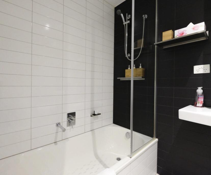 $395, 1-bed, 1 bathroom, Spencer Street, Melbourne VIC 3004