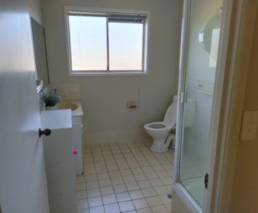 $100, Flatshare, 2 bathrooms, Old Maroochydore Road, Kunda Park QLD 4556