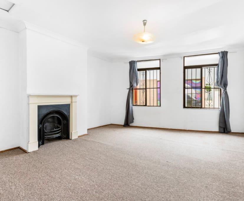 $220, Flatshare, 3 bathrooms, King Street, Newtown NSW 2042