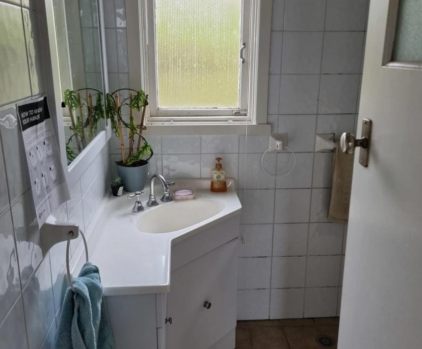 $300, Share-house, 3 bathrooms, Narrabundah ACT 2604