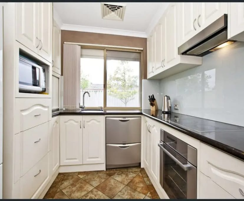 $180, Share-house, 4 bathrooms, Murchison Road, Cooloongup WA 6168