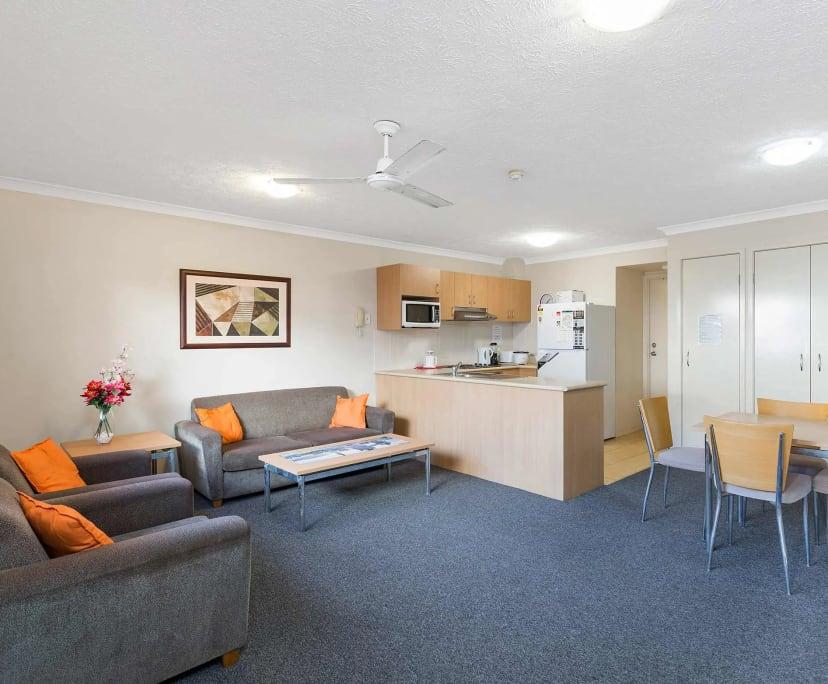 $220, Student-accommodation, 1 bathroom, Parkwood QLD 4214