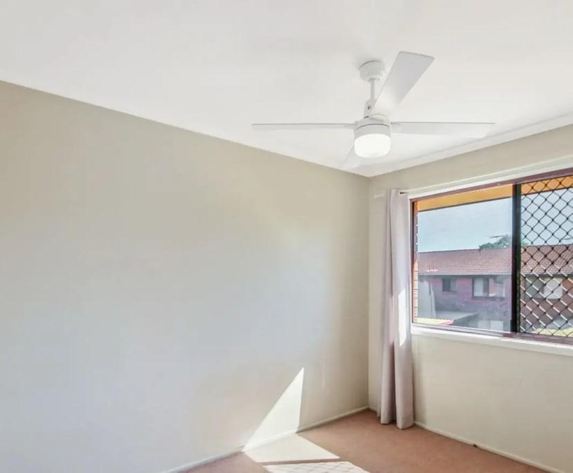 $120, Flatshare, 2 bathrooms, Logan Street, Beenleigh QLD 4207