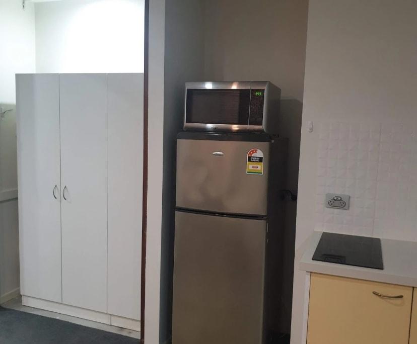 $290, Studio, 1 bathroom, Glen Retreat Road, Mitchelton QLD 4053