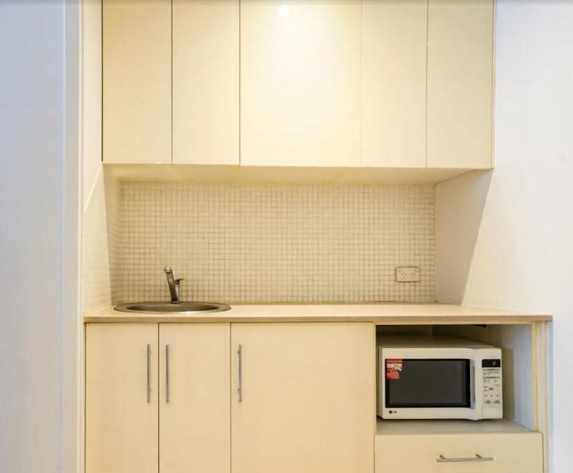 $350, Studio, 1 bathroom, Dixon Street, Sydney NSW 2000