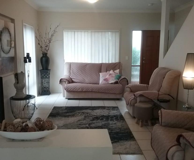 $250, Homestay, 3 bathrooms, Majorca Crescent, Varsity Lakes QLD 4227