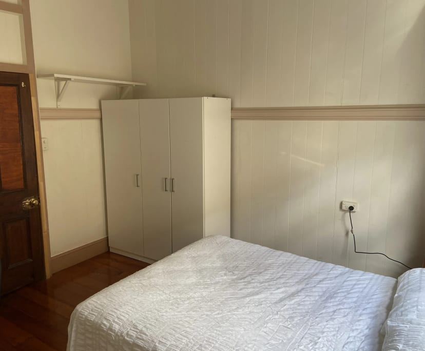 $190, Share-house, 4 bathrooms, Latrobe Street, East Brisbane QLD 4169