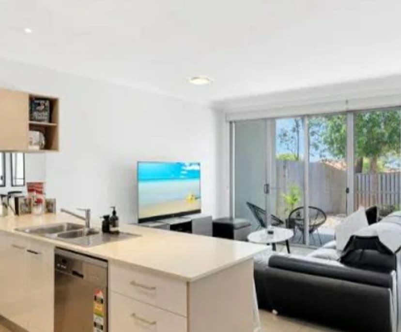 $250, Flatshare, 4 bathrooms, Pine Ridge Road, Coombabah QLD 4216