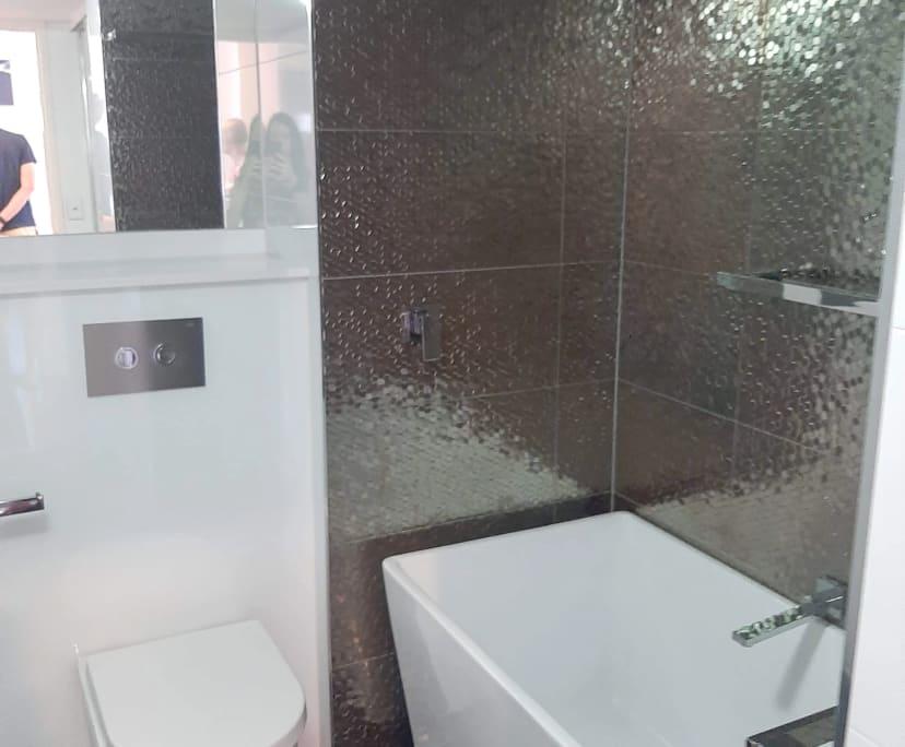 $195, Flatshare, 3 bathrooms, Lambert Street, Kangaroo Point QLD 4169