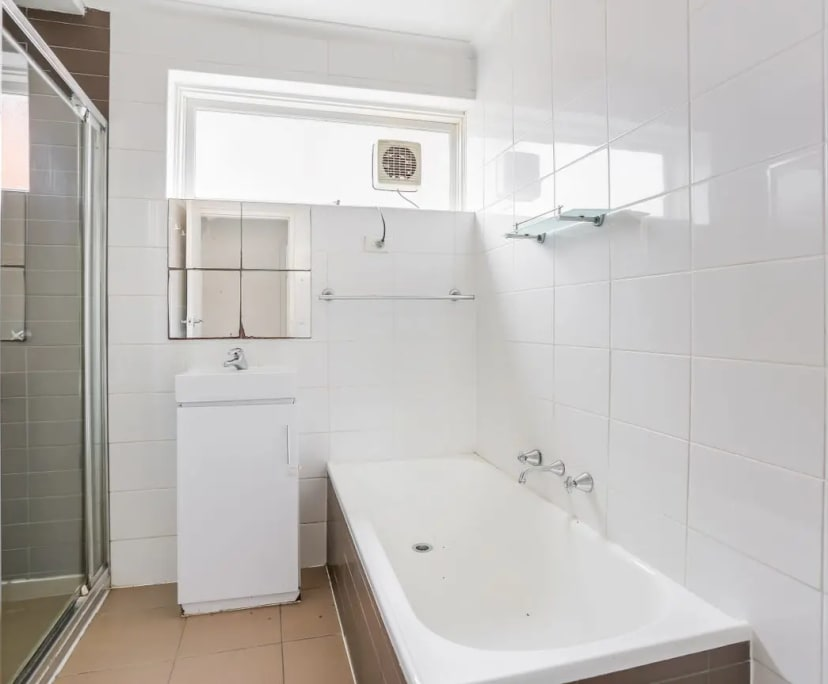 $450, Whole-property, 2 bathrooms, Alfriston Street, Elwood VIC 3184