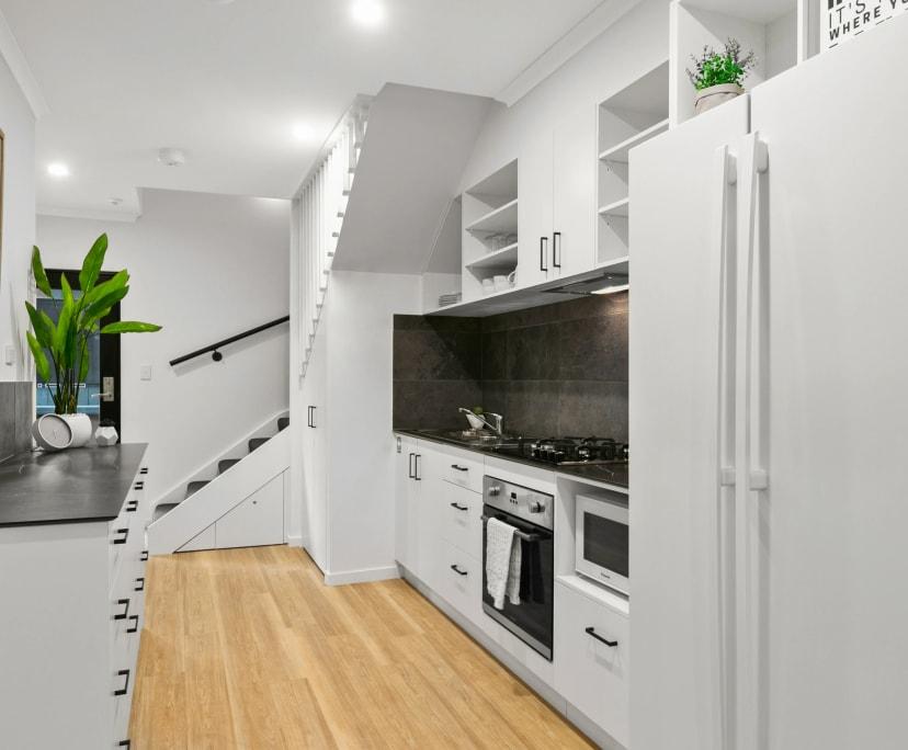 $299, Flatshare, 6 bathrooms, Martyn Street, Parramatta Park QLD 4870