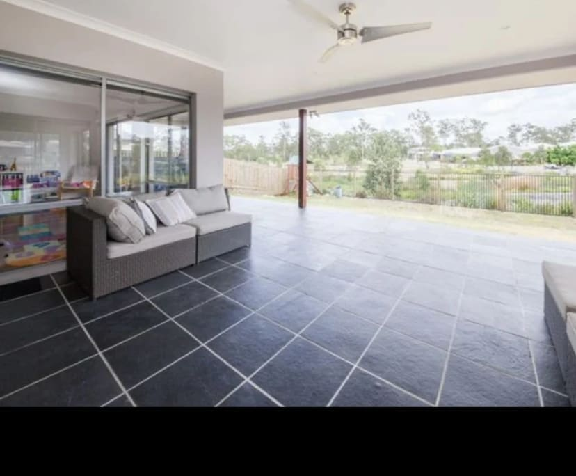 $220, Share-house, 4 bathrooms, Conimbla Crescent, Waterford QLD 4133