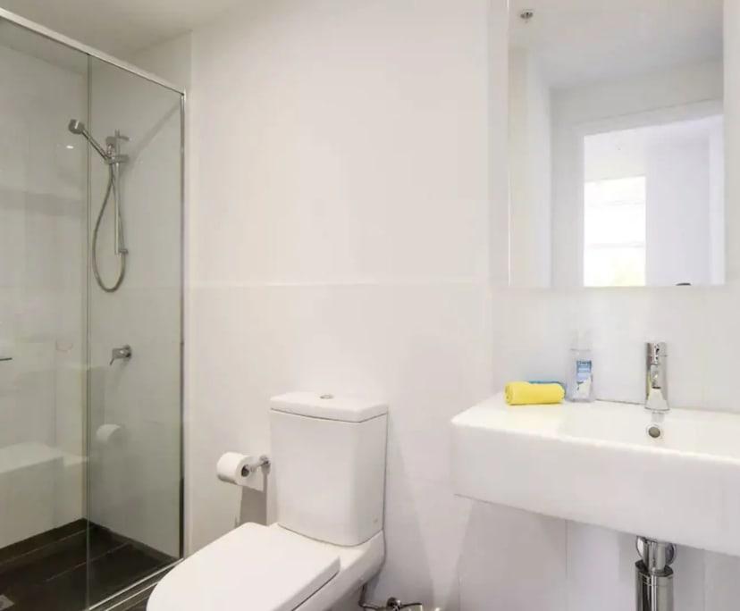 $450, Whole-property, 3 bathrooms, Melbourne VIC 3000