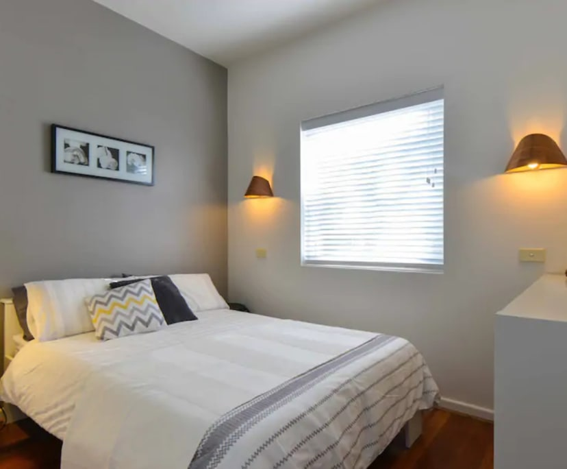 $380, Studio, 1 bathroom, Alma Road, St Kilda VIC 3182