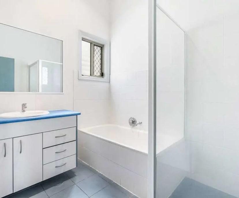 $195, Share-house, 6 bathrooms, Qualtrough Street, Woolloongabba QLD 4102