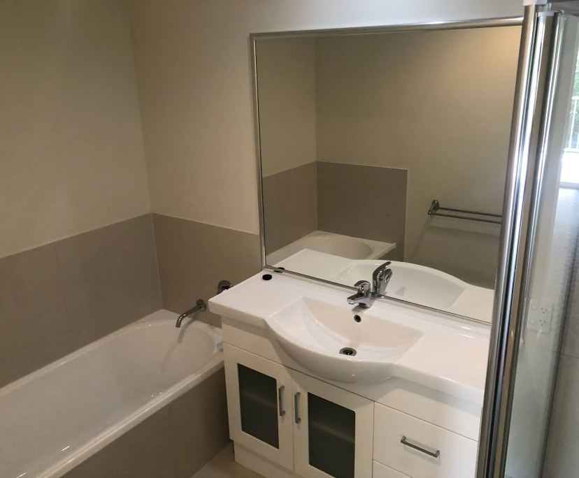 $220, Share-house, 5 bathrooms, Dover Street, Albion QLD 4010