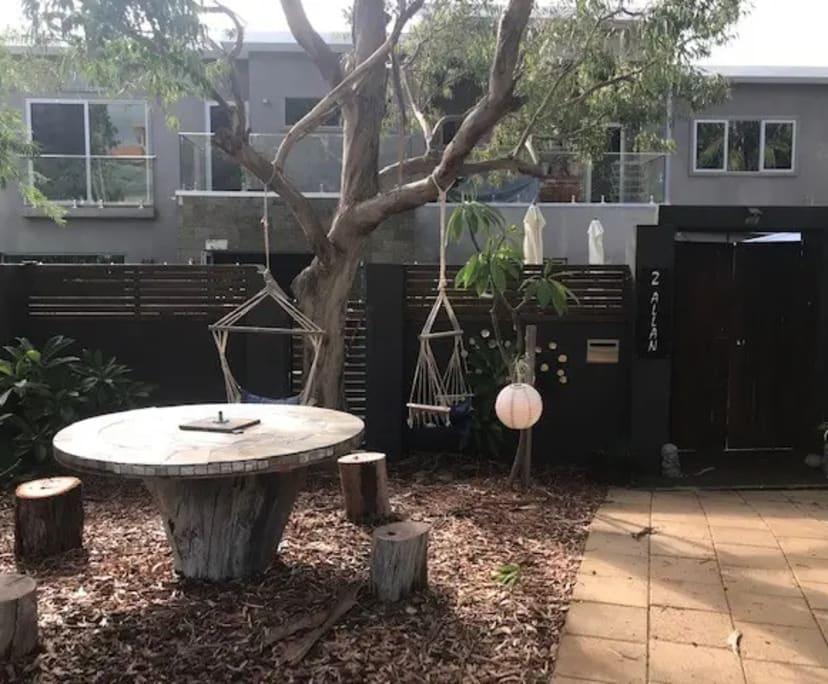 $215, Share-house, 4 bathrooms, Allan Place, Halls Head WA 6210