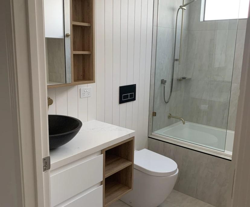 $220, Flatshare, 3 bathrooms, Hillview Parade, Ashmore QLD 4214