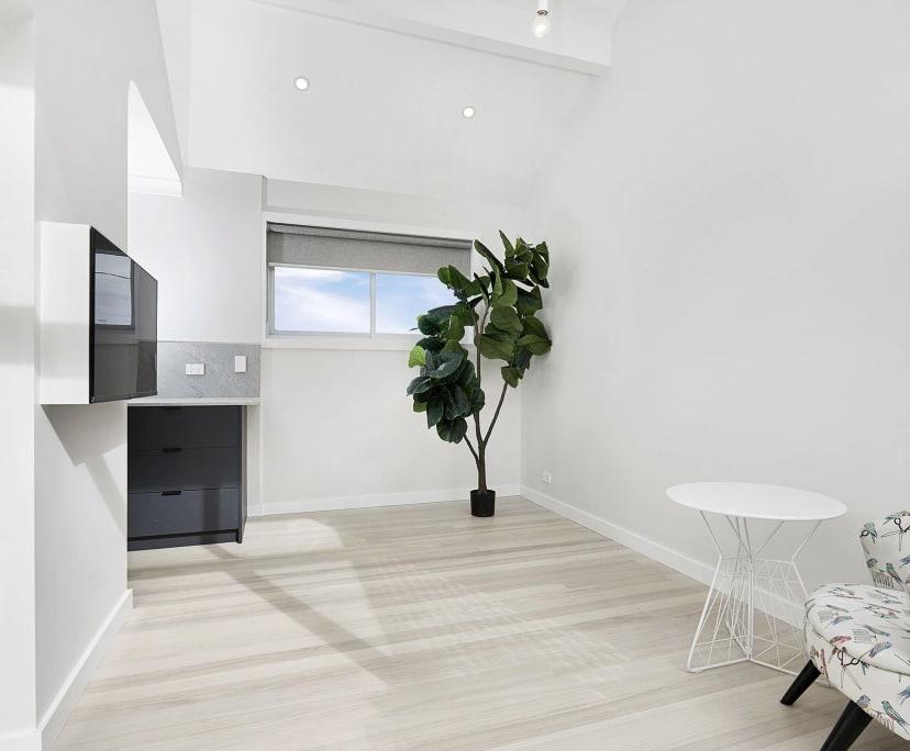 $470, 1-bed, 1 bathroom, Neutral Bay NSW 2089