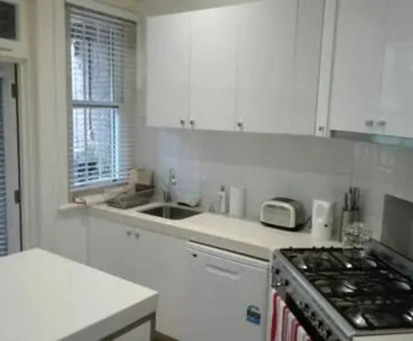 $550, Whole-property, 2 bathrooms, Adams Street, South Yarra VIC 3141