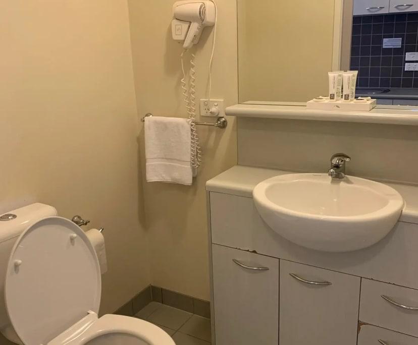 $300, 1-bed, 1 bathroom, Carlton VIC 3053