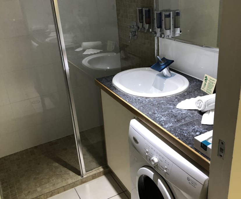 $350, Studio, 1 bathroom, Wickham Terrace, Spring Hill QLD 4000
