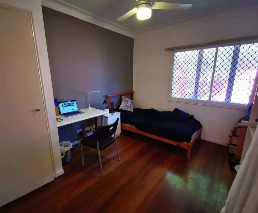 $200, Share-house, 6 bathrooms, Hawken Drive, Saint Lucia QLD 4067