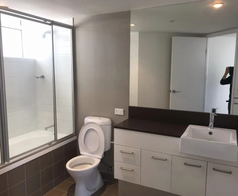 $230, Flatshare, 3 bathrooms, Scarborough Street, Southport QLD 4215