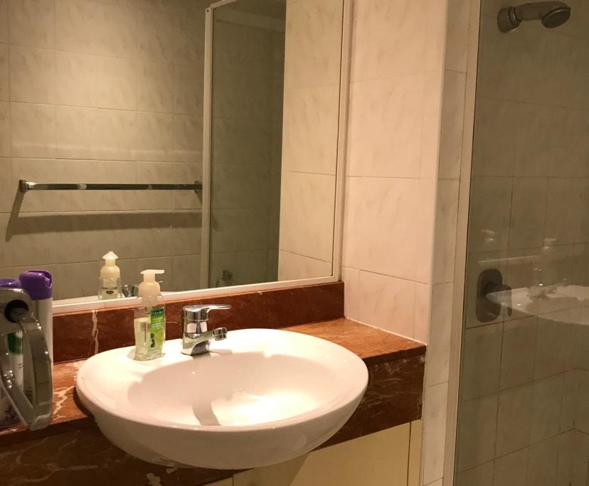 $350, Flatshare, 2 bathrooms, Harbour Street, Sydney NSW 2000