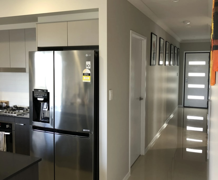 $180, Share-house, 3 bathrooms, Mirinae Circuit, Pimpama QLD 4209