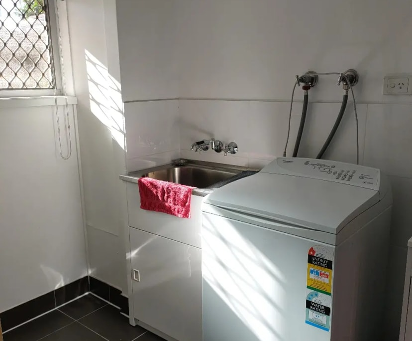 $200, Student-accommodation, 3 bathrooms, Surfers Paradise QLD 4217