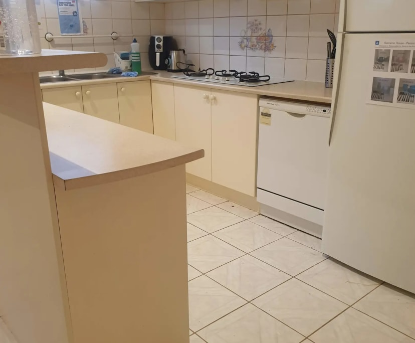 $200, Share-house, 4 bathrooms, Avondale Heights VIC 3034