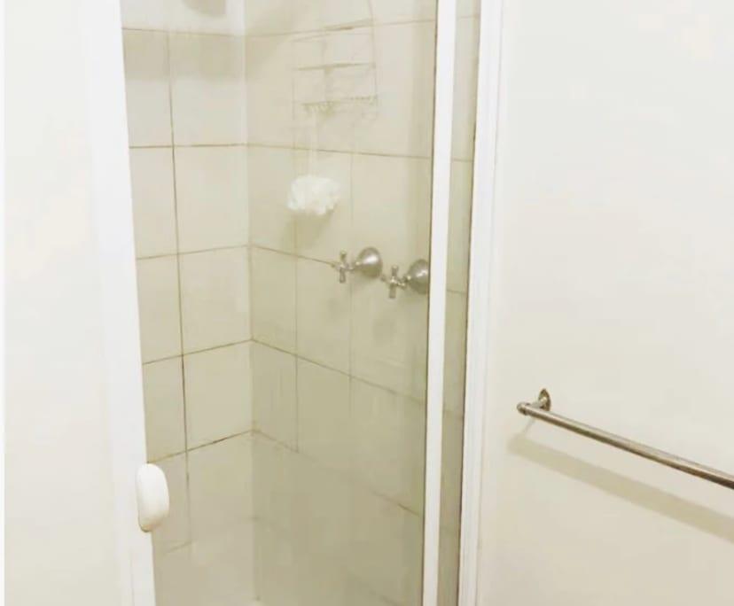 $200, Share-house, 4 bathrooms, Cambro Road, Clayton VIC 3168