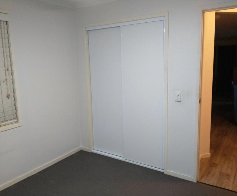 $120, Share-house, 3 bathrooms, Castile Crescent, Edens Landing QLD 4207